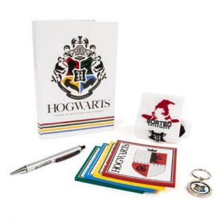 Harry Potter present set med anteckningsblock, penna, strumpor, underlägg och nyckelring. Perfekt för skolstarten