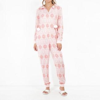 rosa onesie med julmotiv av fairisle snöflingor. Har 2 fickor och huva med pompoms i snöret