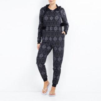svart onesie jultröja eller pyjamas med fairisle snöflings mönster, pompoms, huva och fickor