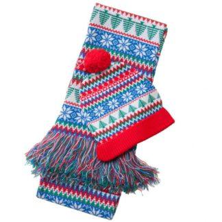 set med halsduk och mössa med juligt nordiskt mönster, ljusa och glada färger