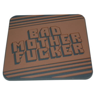 Glasunderlägg med motiv från Pulp Fiction och texten Bad Mother Fucker